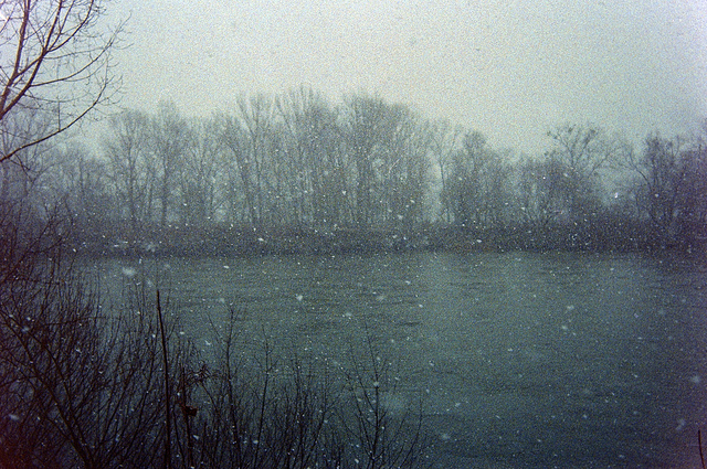 How to Take Good Photos in Bad Weathers with Film Cameras (12)